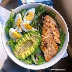 One of my fav lunches is this super simple salad with grilled chicken, avocado and hard boiled eggs . Credit: (Feed generated with FetchRSS ) Healthy Meal Prep, Healthy Snacks, Healthy Eating, Healthy Recipes, Detox Recipes, Keto Meal, Whole30 Recipes, Keto Snacks, Easy Recipes