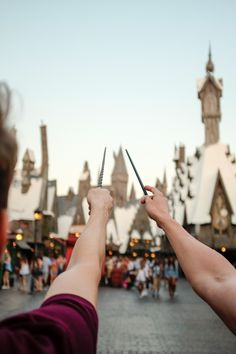 Jake DeBruyckere - Geeked out at The Wizarding World of Harry Potter...