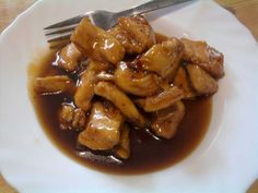 Añadimos al pollo el contraste de sabores de la miel y el limón. Con un toque oriental gracias a la salsa de soja.