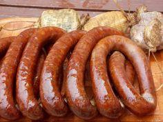 Gotowanie jest łatwe: Kiełbasa swojska How To Make Sausage, Sausage Making, Polish Recipes, Polish Food, Smoking Meat, Canning Recipes, Sausage Recipes, In The Flesh, Charcuterie