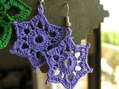 Birthday earrings! free pattern - these would make nice Christmas decorations too.