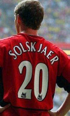 Ole Gunnar Solskjær (Manchester United FC, 1996–2007, 235 apps, 91 goals), «2'0LE'GEND».