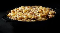 This Farmstyle Cut recipe features a toasted rye crumb topping containing ground beef, caramelized onions, and two creamy layers of mac and cheese. Mac Cheese Recipes, Cheddar Cheese, Macaroni And Cheese, Casserole Recipes, Soup Recipes, Dinner Recipes, Delicious Recipes, Yummy Food, Cut Recipe