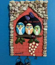 Easy Painting Rock Ideas and Stone art by Stone Crafts, Rock Crafts, Crafts To Do, Kids Crafts, Arts And Crafts, Rock And Pebbles, Rock Painting Designs, Art N Craft, Easy Paintings