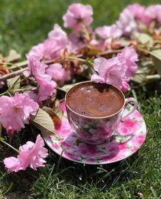 Coffee Club, Coffee Art, Coffee Time, Tea Time, Black Magic Chocolates, Good Morning Coffee Gif, Tea Etiquette, Coffee Flower, Tea And Books