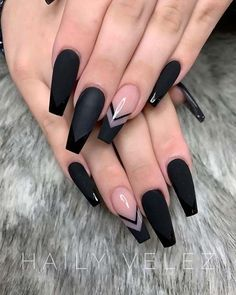 In seek out some nail designs and ideas for your nails? Here's our set of must-try coffin acrylic nails for trendy women. Black Coffin Nails, Black Acrylic Nails, Best Acrylic Nails, Nail Black, Long Black Nails, Black Acrylics, Black Wedding Nails, Black Nail Tips, Black French Nails