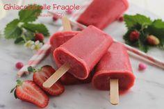 I Ghiaccioli alle Fragole sono davvero semplici da preparare, golosi e freschissimi. Perfette per l'arrivo della bella stagione :)