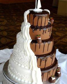Que tal um bolo meio a meio?? UM MÁXIMO!