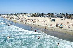 Posiada również jedne z najpiękniejszych i największych plaż na świecie.