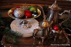 Adventures in Decorating: Christmas Dining!