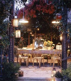 Interview: 10 Secrets to a Stunning Outdoor Room