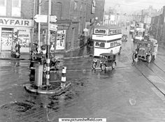 Anyone know when this Sheffield photo was taken? South Yorkshire Transport, My Town, Sheffield, Britain, Times Square, England, History, City, Pictures