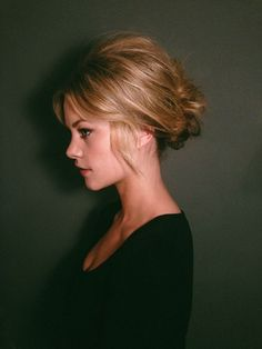 45 Easy Half Up Half Down Hairstyles for Every Occasion Crown Hairstyles, Vintage Hairstyles, Braided Hairstyles, Wedding Hairstyles, French Hairstyles, Updo Hairstyle, Braided Updo, Celebrity Hairstyles, Chignon Simple