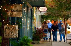 Historical Hillsborough, North Carolina, is the ideal holiday weekend escape. Southern Charm, Art Studios, North Carolina, Places Ive Been, Places To Visit, Street View, Couple Photos, City, Holiday