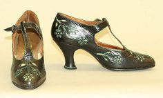 Date: ca. 1925 Culture: French Medium: leather, cotton Dimensions: Height (of heel): 2 1/2 in. (6.4 cm) Length: 9 in. (22.9 cm)