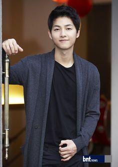 Descendants, Song Joong Ki Cute, Song Joong Ki Birthday, Soon Joong Ki, Decendants Of The Sun, Sun Song, A Werewolf Boy, Korean Drama Series, Hot Men