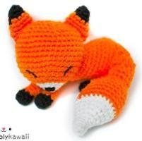 Crocheting : Sleepy Fox Amigurumi