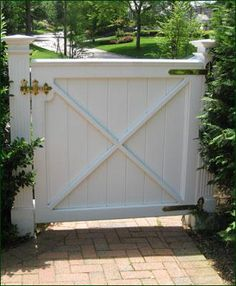 Cellular PVC Board Gatefrom Walpole Woodworkers