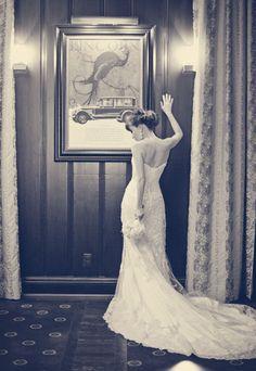 Look at this Stunning bride! Vintage wedding photography, vintage inspired wedding photography, modern wedding photography pose