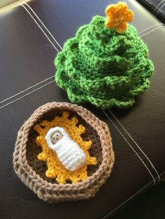 "This is a free pattern of a Christmas tree with a removable top, revealing a little ""manger"" underneath with a swaddled baby Jesus. I designed and made this for my boys' r… Crochet Tree, Crochet Christmas Trees, Snowman Christmas Ornaments, Christmas Jesus, Holiday Crochet, Christmas Crafts, Christmas Ideas, Merry Christmas, Crafts To Make"