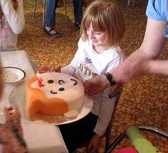 Mary's party birthday cake by bigbluebed, via Flickr • Tintin, Herge j'aime