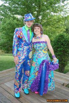 Esta pareja de Uzbekistan nos muestra unos elegantes y discretos trajes de la colección Primavera-Verano 2012.  http://bit.ly/GACs7U
