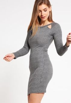 Robes T-shirt Even&Odd Robe en jersey - grey gris: 29,95 € chez Zalando (au 25/11/16). Livraison et retours gratuits et service client gratuit au 0800 797 34.