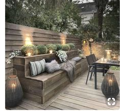 Outdoor lighting ideas for backyard, patios, garage. Diy outdoor lighting for front of house, backyard garden lighting for a party Backyard Seating, Backyard Patio, Backyard Landscaping, Backyard Ideas, Landscaping Ideas, Patio Ideas, Porch Ideas, Seating Area In Garden, Deck Bench Seating