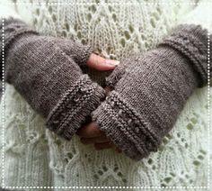 Pitsikukka: Kämmekkäät Leg Warmers, Fingerless Gloves, Winter, Leg Warmers Outfit, Fingerless Mitts, Winter Time, Fingerless Mittens, Winter Fashion