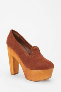 Above the rest #urbanoutfitters #suede #platform #loafer
