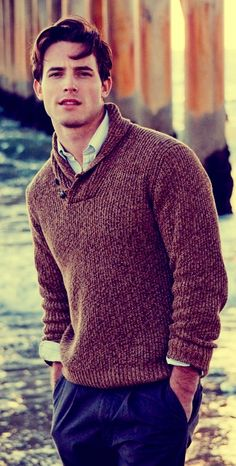 Simple shawl collar sweater with nice vertical line patter