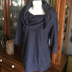 Silence & Noise cowl neck yoga sweatshirt Cozy Silence & Noise cowl neck yoga sweatshirt. 3/4 sleeve and extra long. Throw over your yoga pants or just for a day out! Urban Outfitters Tops Sweatshirts & Hoodies