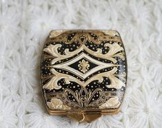 powder compact ca.1930 |Pinned from PinTo for iPad|