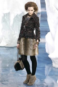 Rare Chanel 10A Fantasy Fur Tweed Skirt NEW 40 Exquisite Collectible