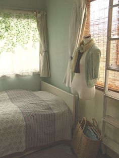 spring  http://www.roomflavor.com/room.php?2565