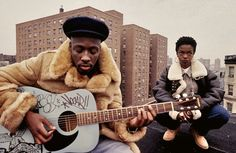 "Wyclef Jean and Lauryn Hill during the filming of the Fugees' ""Vocab"" video, in East Harlem, [Watch the video& Photo by Lisa Leone. Lauryn Hill, Hip Hop 90, Mode Hip Hop, Anthony Kiedis, Fashion Guys, Hip Hop Fashion, 90s Fashion, Thug Fashion, Fashion Vintage"