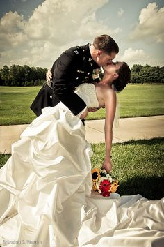 love this classic military pose!