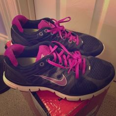 Nike Athletic Shoes Great for gym a jog, basically anything! Grab these while you can for this great deal! Pre loved Nike Shoes Athletic Shoes