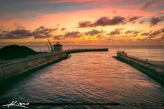 Sunrise Boynton Beach Inlet by t he Pumphouse with lots of peopl