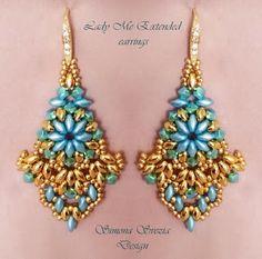 """Lady Me Extended"" earrings ©Simona Svezia Design, 2013 Tutorial available on my Etsy shop: https://www.etsy.com/it/shop/PerlineeBijoux"