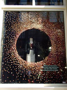 Anthropologie Window Display – Expolore the best and the special ideas about Store window displays Window Display Design, Store Window Displays, Retail Displays, Shop Displays, Fashion Window Display, Display Windows, Visual Merchandising Displays, Visual Display, Anthropologie Display