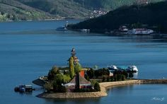 Orschowa(Stadt am Donau Ufer) Statue Of Liberty, Beautiful Places, Mountains, Country, Water, Travel, Outdoor, Bonito, Places