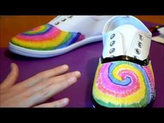 How to tie dye shoes using permanent markers. An easy to follow craft tutorial by Missy Lynn Bluebird - YouTube.