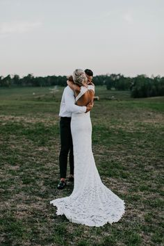 Wedding Dress by Grace Loves Lace. Photography by Samuel Jacob Photography.