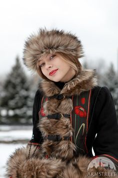 SALE Short warm fur coat jupe Russian seasons zupan by armstreet, $342.00