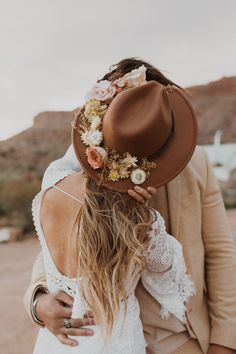 wedding beauty couple Beautiful boho couple kissing in front of tent in desert at their elopement shoot in Zion National Park Casual Country Wedding, Country Wedding Dresses, Black Wedding Dresses, Boho Wedding Dress, Modest Wedding, Marie's Wedding, Wedding Hats, Wedding Beauty, Wedding Styles