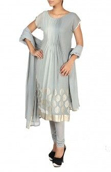 Ombre Short Sleeved Kurta With Center Pleats And Leggings  Rs. 5,064