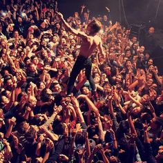 Matt Shultz (Cage the Elephant) in El Paso 2014 Music Is Life, Live Music, Cool Bands, Band Fun, New Wave Music, Library Pictures, Arctic Monkeys, Weird And Wonderful, My Favorite Music