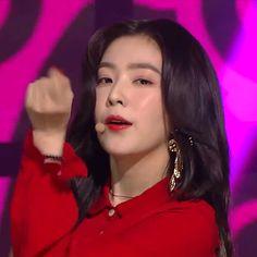 Haikyuu Funny, Red Velvet Irene, Girl Bands, Queen Bees, Seulgi, Pretty People, Kpop Girls, Rapper, Hair Makeup