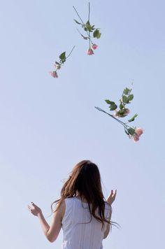 Đôi khi, không phải lúc nào ta cũng có thể tự do như lúc này. Hãy tận thưởng những tháng ngày ta còn ở bên nhau.